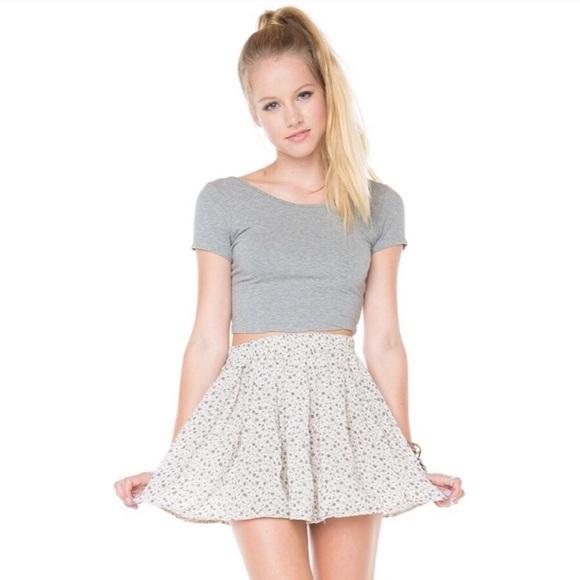 Brandy Melville Dresses & Skirts - Brandy Melville Floral Heather Skirt